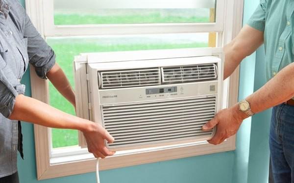 montazh-okonnnih-kondicionerov